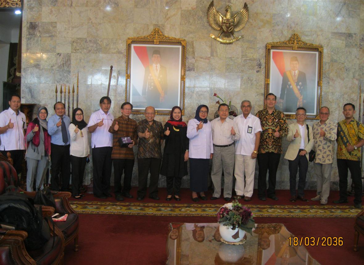 Foto Dengan Gubernur